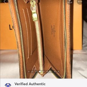 Louis Vuitton Bags - SOLDAuth Louis Vuitton Zippy Wallet/Organizer